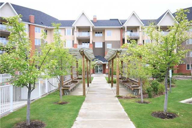 121-15 Everstone Dr SW