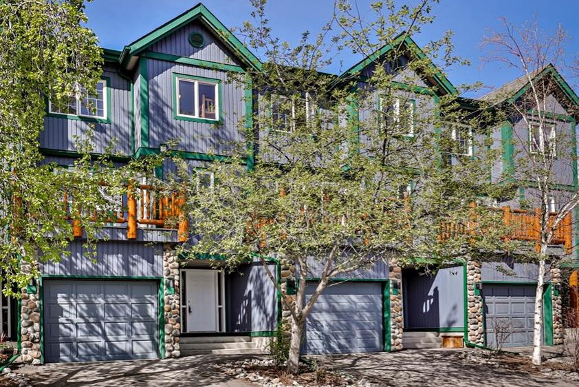 1022 Rundleview Drive # 26 Canmore